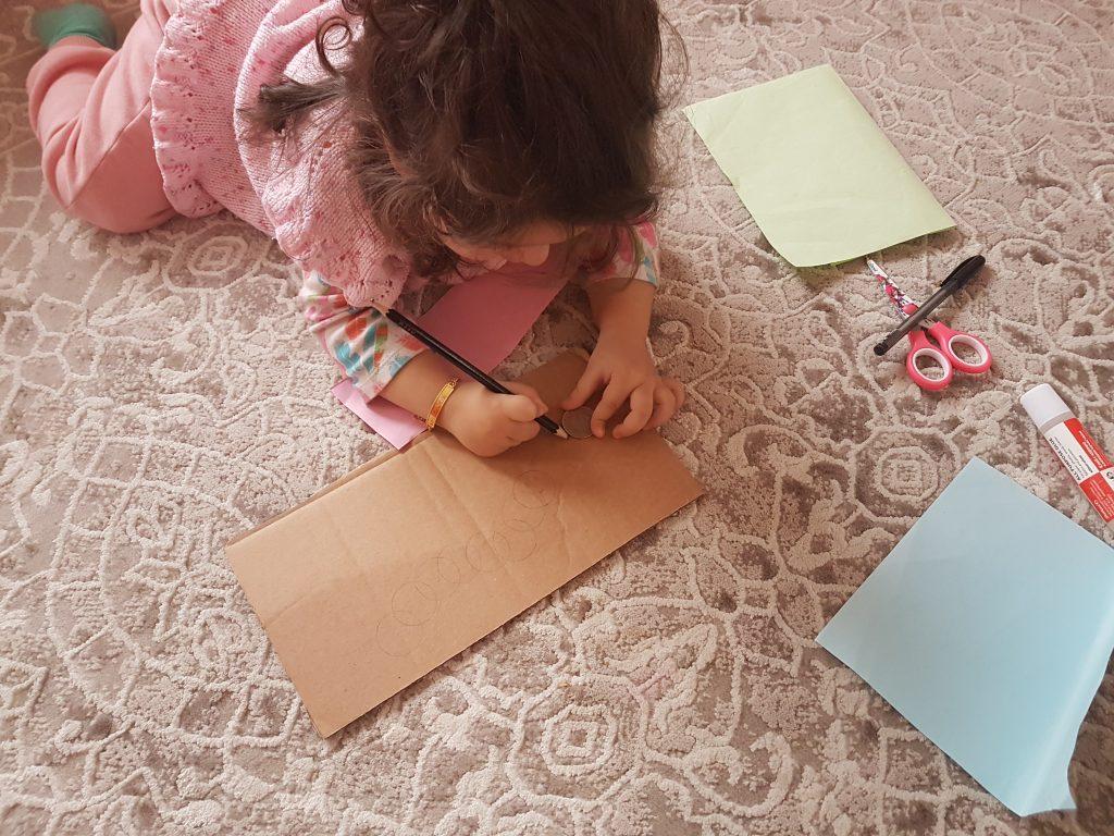 renkli kağıtlardan tırtıl
